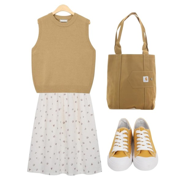 Player 칼하트 에센셜 토트백 브라운 (CARHARTT WOMENS ESSENTIALS TOTE BAG_BROWN),AIN everyday simple layerd vest,From Beginning Made_ops-103_jeju flower ops (size : free)등을 매치한 코디