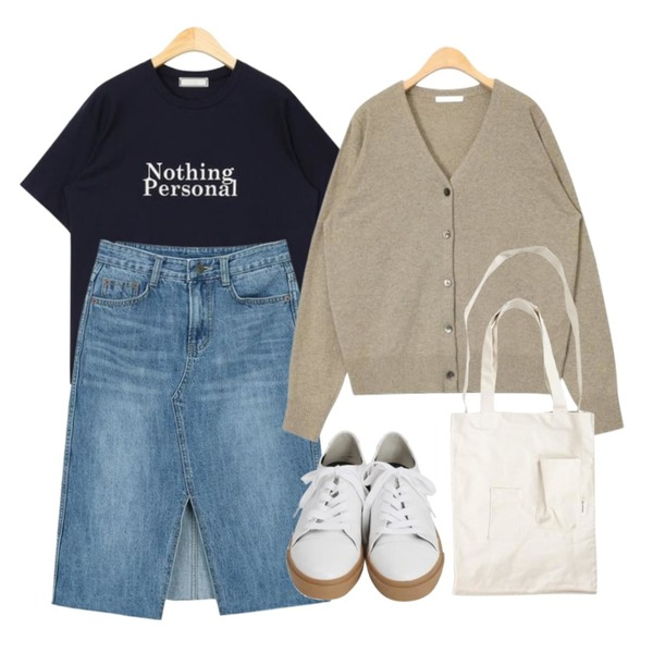 From Beginning Idle rubber sneakers_H (size : 225,230,235,240,245,250),myblin 삼각 트임 청 미디 스커트,AIN nothing personal daily T등을 매치한 코디