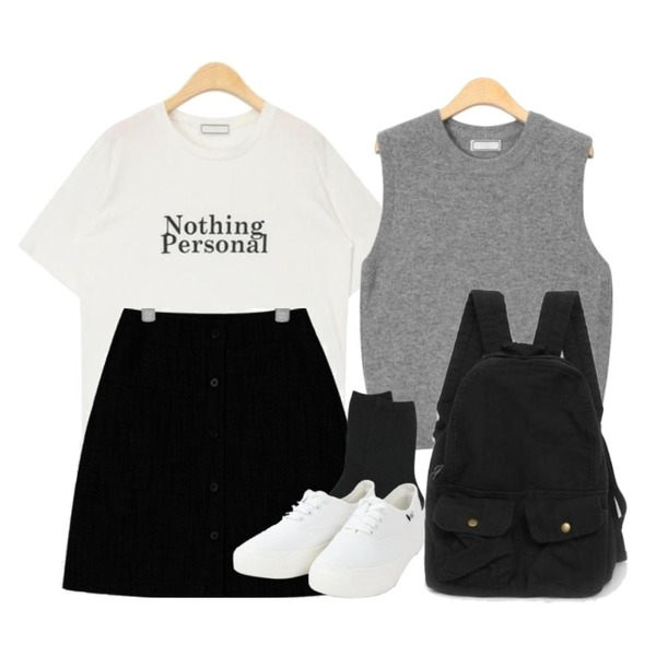 AIN everyday simple layerd vest,AIN nothing personal daily T,AIN girlish front button skirt등을 매치한 코디
