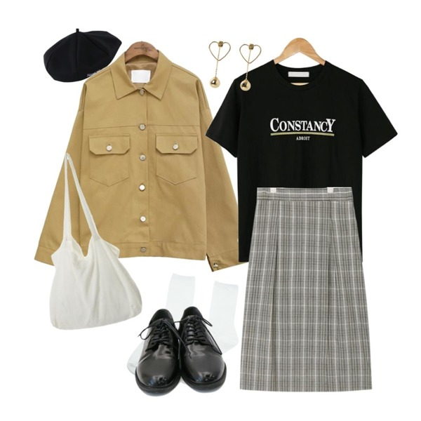 AIN silent check long banding skirt,BANHARU constancy cotton tee,common unique [OUTER] SIDE POCKET TRUCKER JACKET등을 매치한 코디