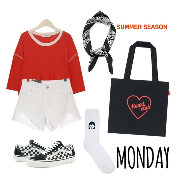 untitled,From Beginning Made_top-176_stitch crop T (size : free),ROCOSIX damage point short pants등을 매치한 코디