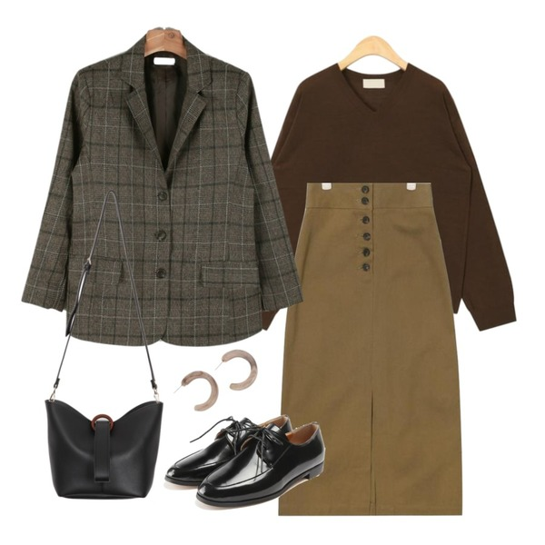 AIN button up long slit skirt,ROCOSIX classic line loafer,AIN warm tone v-neck knit등을 매치한 코디