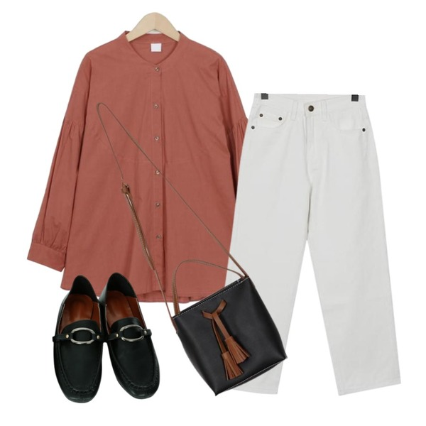 From Beginning Grab stitch cotton pants_K (size : S,M),From Beginning Two-tone tassel mini bag_K (size : one),From Beginning Rose puff china blouse_M (size : free)등을 매치한 코디