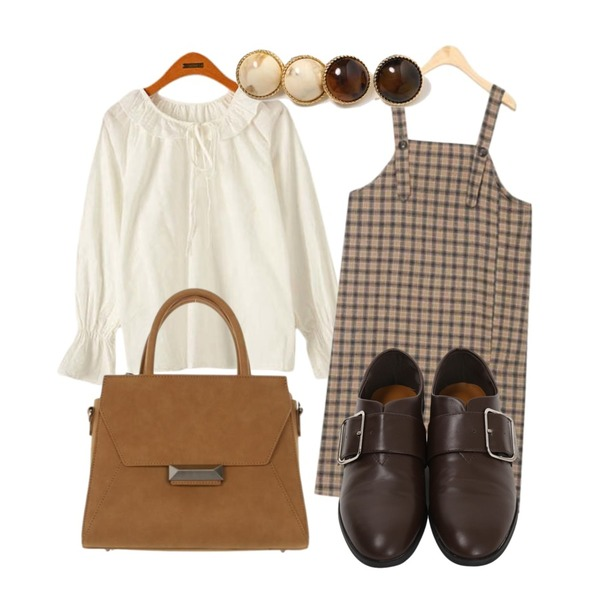 From Beginning Square belted loafer_S (size : 230,235,240,245,250),Reine [기획특가] 론지 프릴 리본 블라우스,AIN jelly check suspenders ops등을 매치한 코디