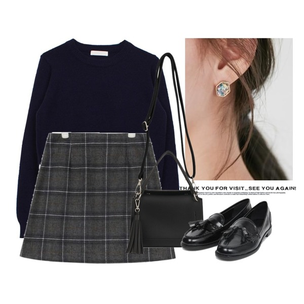 Untitled,From Beginning Star piece earring_M (size : one),biznshoe Autumn round knit (5color)등을 매치한 코디
