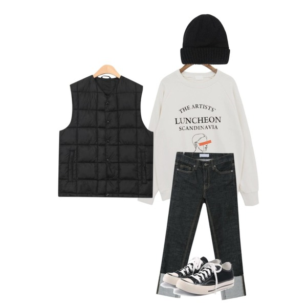 myblin 슬림 일자 턴업 청바지,common unique [TOP] LUNCHEON LETTERING MTM,AIN day color short beanie등을 매치한 코디