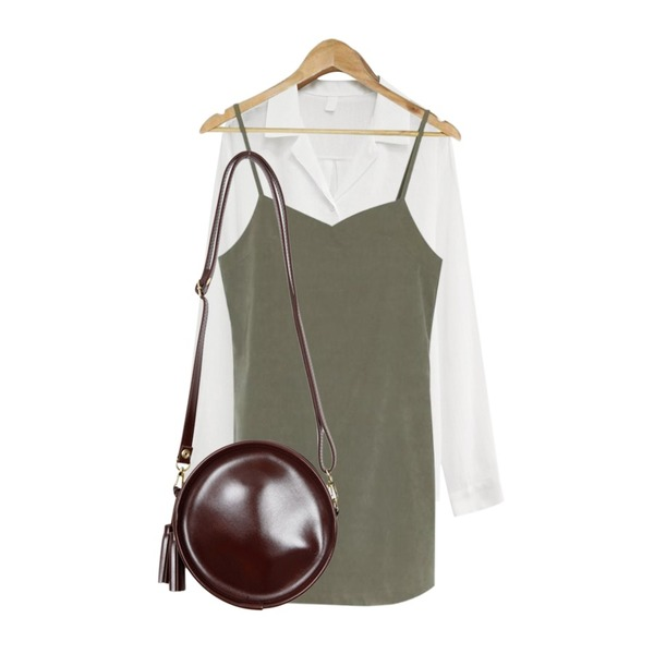 From Beginning Coldplay tambourine bag_H (size : one),common unique [TOP] 6 COLOR COTTON V NECK SHIRT,BANHARU basic slip mini ops등을 매치한 코디