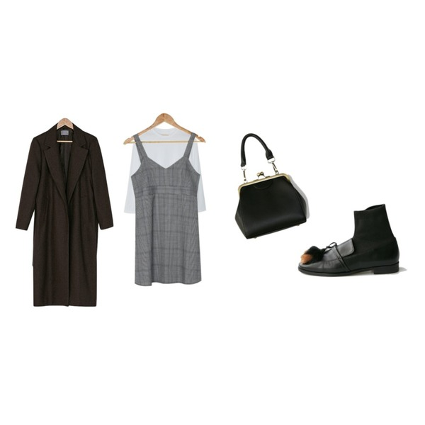 BANHARU check sleeveless mini ops,BANHARU slit round long tee,BANHARU natural wool long coat등을 매치한 코디