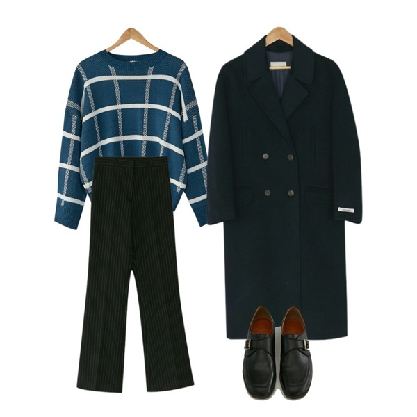 BANHARU formal stripe boots-cut slacks,BANHARU [hand made] daily double button coat,BANHARU check round neck knit등을 매치한 코디