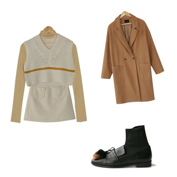 BANHARU slit sleeve golgi turtle knit,BANHARU rabbit tassel loafer,BANHARU mild wool mini skirt등을 매치한 코디