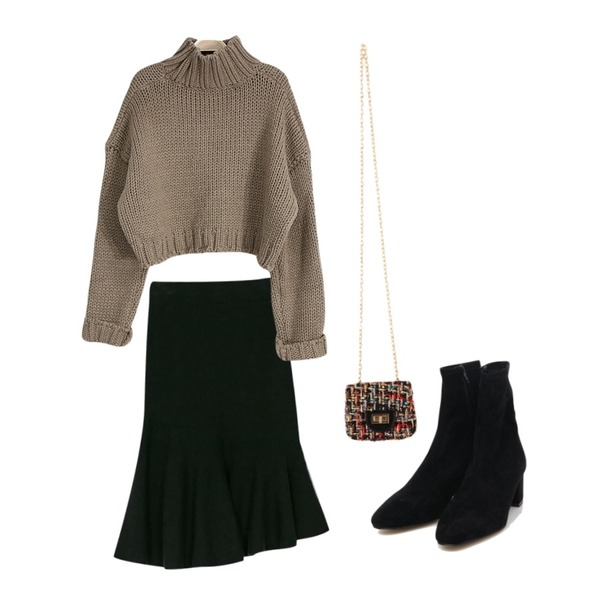 SOMEDAYS 허니 폴라 크롭니트(4color),BANHARU unbal mermaid knit skirt,AIN softy suede ankle boots (225-250)등을 매치한 코디