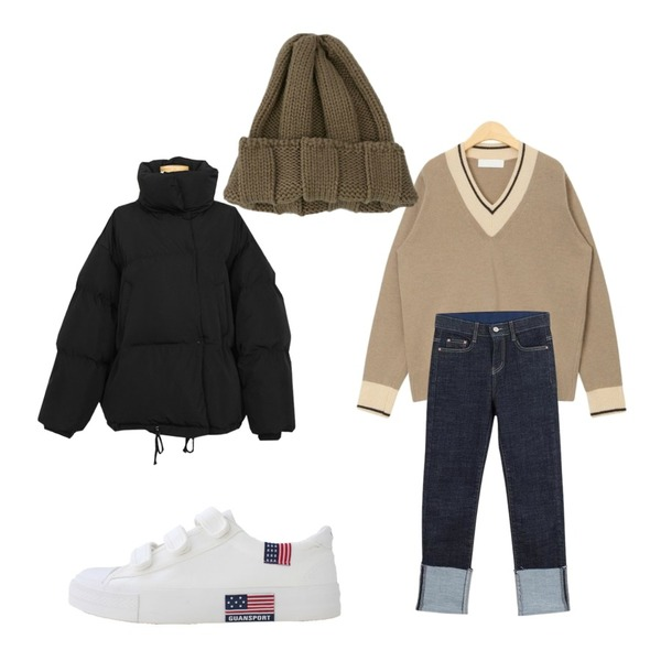 about moon roll-up straight denim pants,BANHARU 11colors thick knit bini,AIN plus line v-neck wool knit등을 매치한 코디