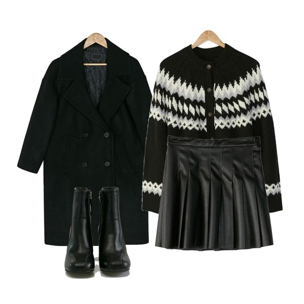 BANHARU 2oz wool double coat,BANHARU leather tennis skirt,BANHARU loose fit pattern cardigan등을 매치한 코디