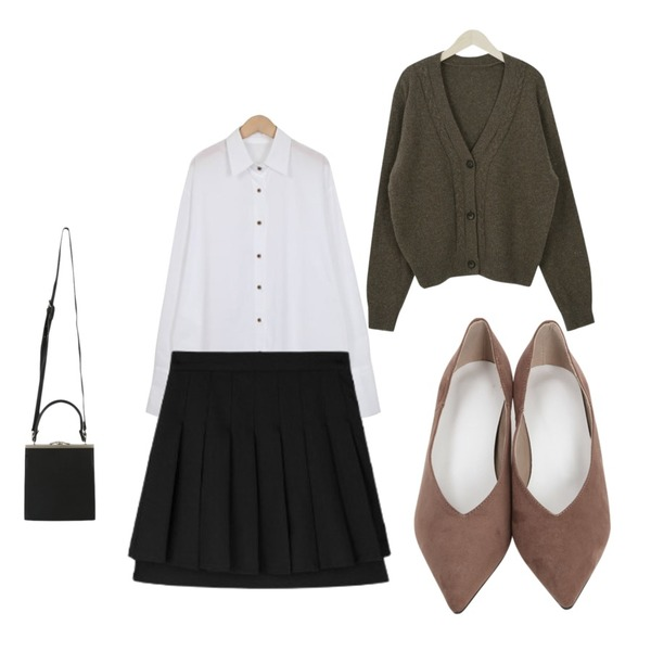 From Beginning Wood button cuffs shirts_H (size : free),From Beginning Stiletto low heel_B (size : 230,235,240,245,250),MIXXMIX double layered pleats skirt등을 매치한 코디