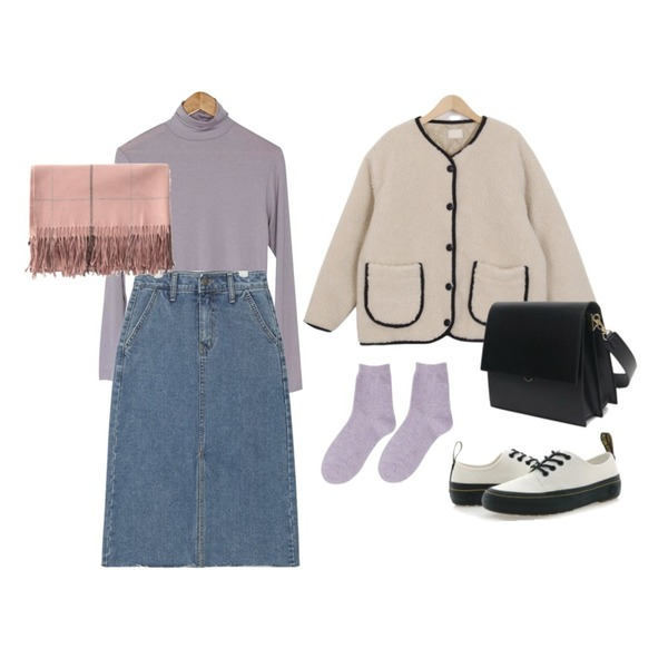 BANHARU soft turtleneck tee,AIN casual front slit denim skirt (s, m, l),From Beginning Bread dumble jumper_B (size : free)등을 매치한 코디