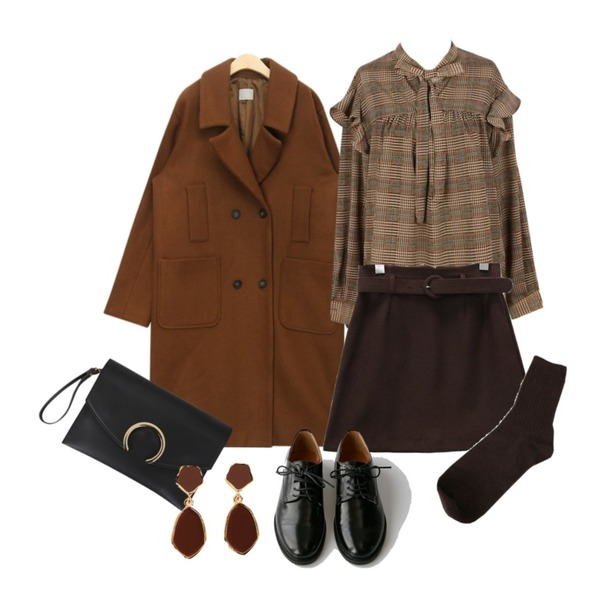 ABLY [수현 PICK] 아모르체크 블라우스_,AIN loyd wool double coat,common unique [SKIRT] CINNAMON BELT SET SKIRT등을 매치한 코디