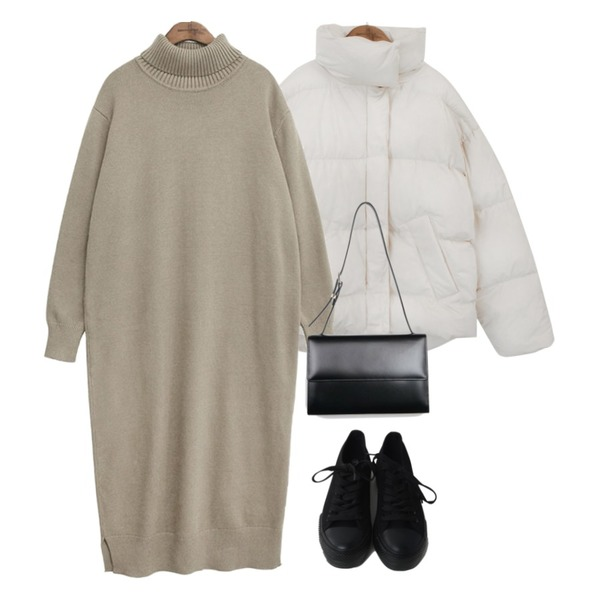OBBANG STYLE 딕션통굽스니커즈,common unique [OPS] TURTLE NECK WOOL LONG OPS,common unique [OUTER] COLLAR SHORT PADDING JUMPER등을 매치한 코디