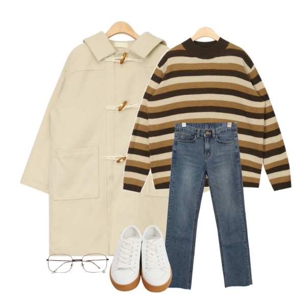 AIN honey duffel coat,AIN beginning stripe knit,common unique [BOTTOM] HIGH CUTTING DENIM PANTS등을 매치한 코디