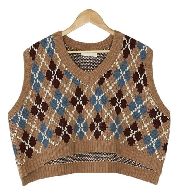 v-neck argyle knit vest
