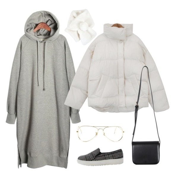 common unique [OUTER] COLLAR SHORT PADDING JUMPER,From Beginning Rich mini cross bag_B (size : one),ROCOSIX Tyburn hood OPS (napping)등을 매치한 코디