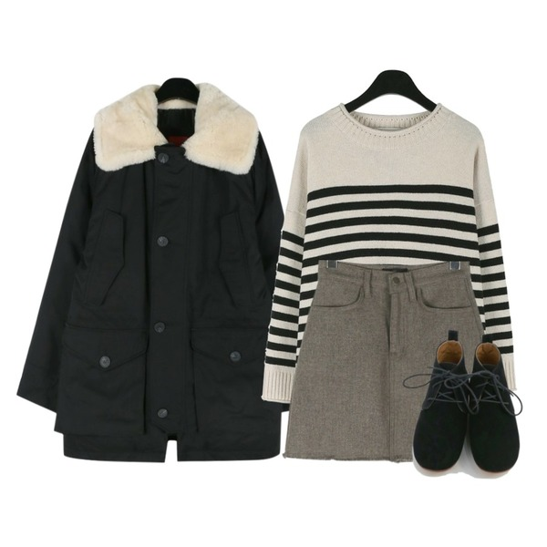 daily monday Unisex duck down jumper,daily monday Round loose-fit wool knit,daily monday Simple wool mini skirt등을 매치한 코디