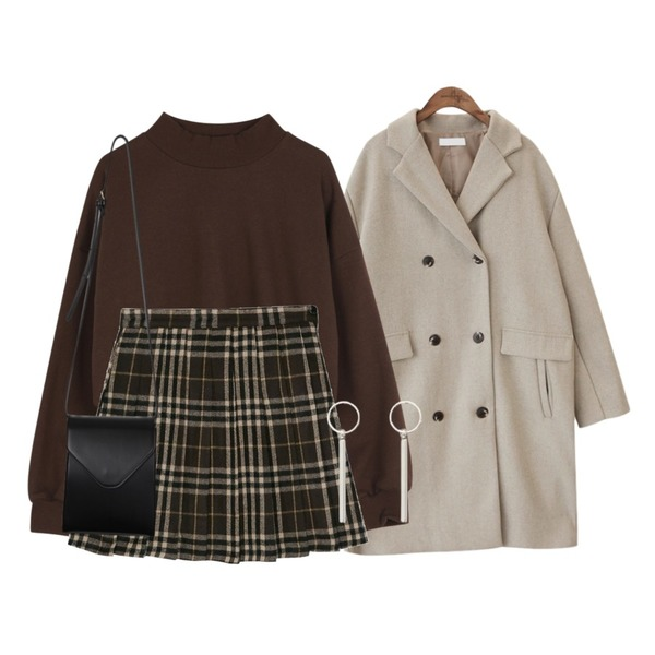 common unique [OUTER] DOUDLE BUTTON WOOL COAT,BANHARU london check pleats mini skirt,ABLY 크롭반폴라 맨투맨등을 매치한 코디