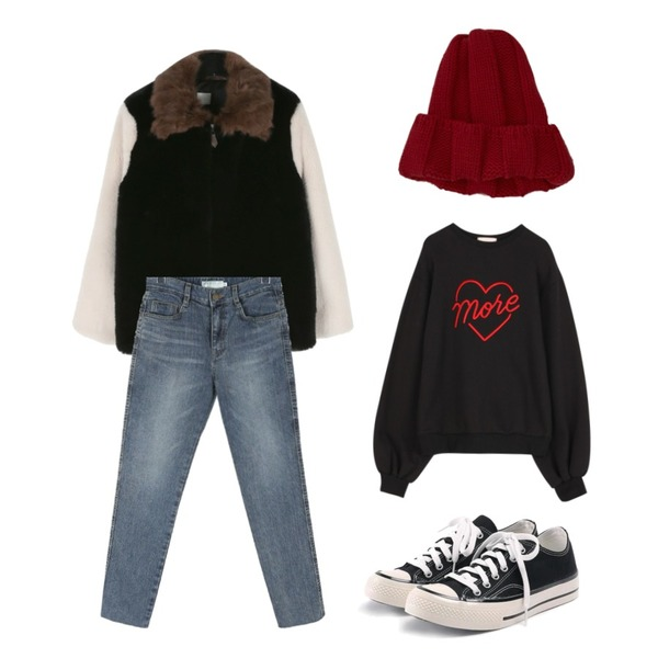 ROCOSIX simple coton sneakers,daily monday Color effect fur jumper,daily monday Straight natural washing denim등을 매치한 코디