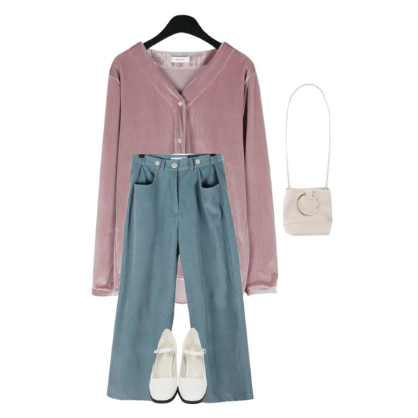 From Beginning Glossy mary Janes middle heel_H  (size : 225,230,235,240,245,250),daily monday Daily elegant velvet blouse (pink),daily monday Button control corduroy pants등을 매치한 코디