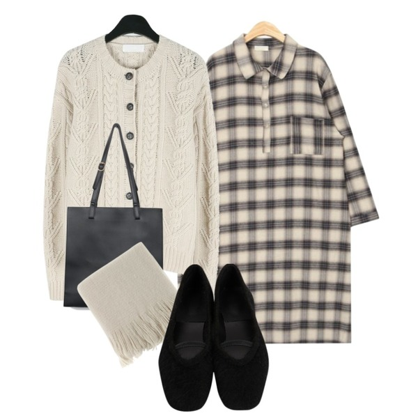 AIN daily accordion shoulder bag,daily monday Cable twist knit cardigan,AIN cheese check shirts ops등을 매치한 코디