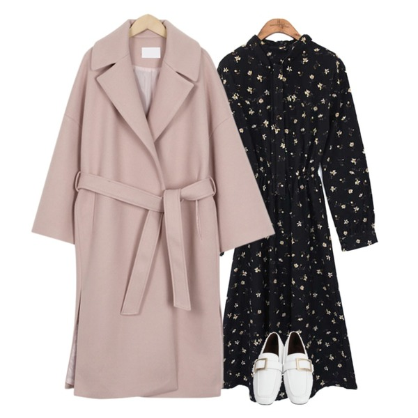 common unique [OPS] FLOWER BANDING LONG OPS,From Beginning Low square buckle loafer_M (size : 230,235,240,245,250),From Beginning Belted lapel long coat_K (size : free)등을 매치한 코디