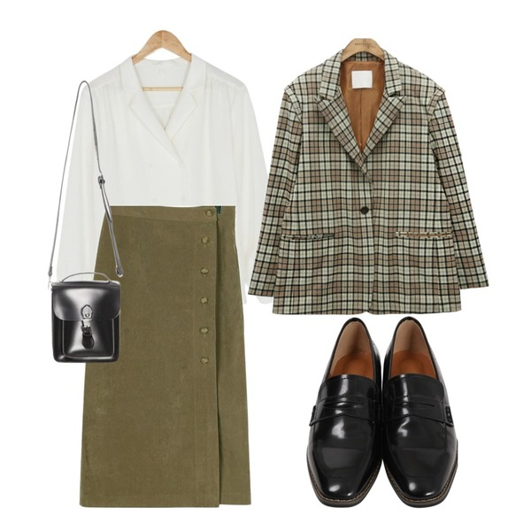 BANHARU double button puff sleeve blouse,common unique [OUTER] VINTAGE PEAKED LAPEL CHECK JACKET,daily monday Button corduroy long skirt등을 매치한 코디