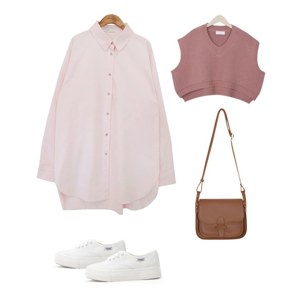 myblin 크롭 니트 조끼 (4color),From Beginning Link strap belt bag_K (size : one),common unique [TOP] PASTEL BOXY FIT CLEAN SHIRTS등을 매치한 코디