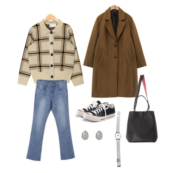 AIN rose check two-piece,OBBANG STYLE 헤프닝 데님 팬츠,common unique [OUTER] BUTTON ROLL UP SINGLE COAT등을 매치한 코디