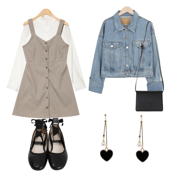 From Beginning Julie strap flat shoes_S (size : 230,235,240,245,250),AIN cosmos frill blouse,AIN adorable check mini ops등을 매치한 코디