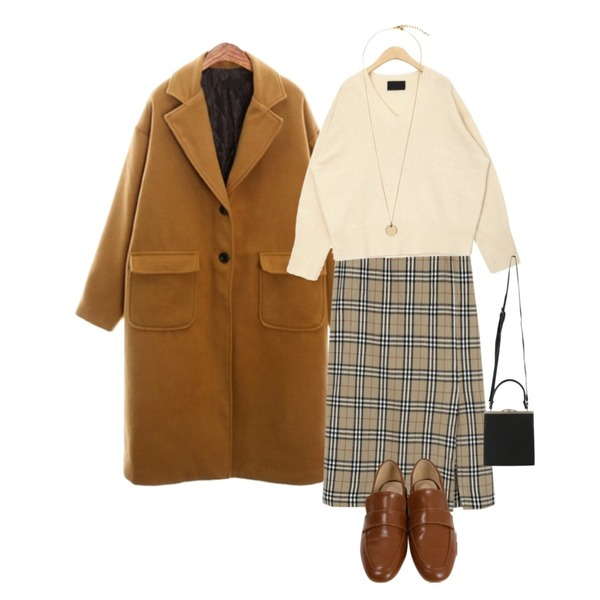 AIN doing simple v-neck wool knit,From Beginning Milky check long skirt_S (size : free),ROCOSIX butter wool single CT(quilting)등을 매치한 코디