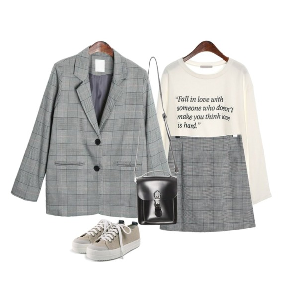 ROCOSIX natural glen check skirt,ROCOSIX natural glen check jacket,ROCOSIX simple lettering T-shirts등을 매치한 코디