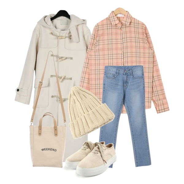 OBBANG STYLE 왓이프 데님 팬츠,daily monday Classic wool duffle coat,AIN soft pastel check shirts등을 매치한 코디