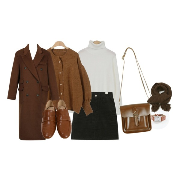 From Beginning Square frame leather watch_A  (size : one),From Beginning Bubble turtle-neck knit_H (size : free),From Beginning Vintage buckle mini bag_B (size : one)등을 매치한 코디