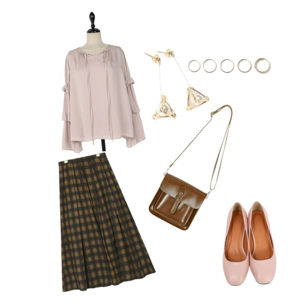 From Beginning Choice round middle pumps_M (size : 225,230,235,240,245,250),AIN unique flare check skirt,UPTOWN HOLIC 클로디 bl (*3color)등을 매치한 코디