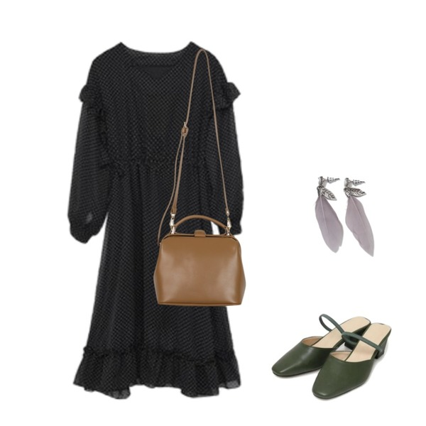 AIN two way middle heel (225-250),MIXXMIX 프릴 도트 원피스,From Beginning Basket two-way bag_H (size : one)등을 매치한 코디