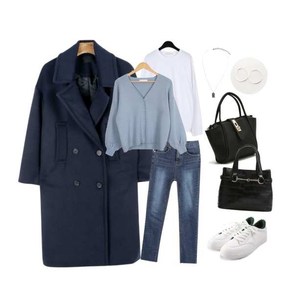 daily monday Wide collar double button coat,myblin 데일리 디스 진,daily monday Soft cotton round tee등을 매치한 코디