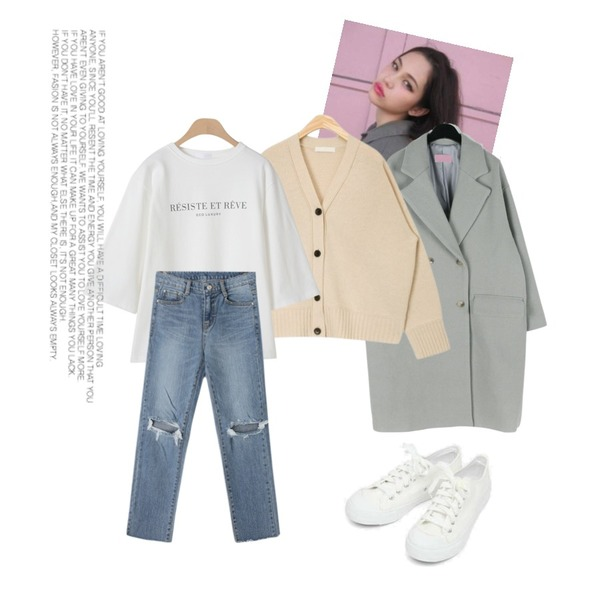 -,daily monday Howell double wool coat,AIN basic monday sneakers (230-250)등을 매치한 코디