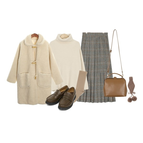 From Beginning Back slit turtle knit_B (size : free),ROCOSIX dumble duffle CT (napping),AIN romi check long pleats skirt (s, m)등을 매치한 코디