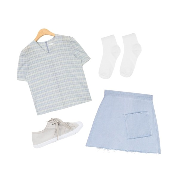 AIN walking daily sneakers (3 colors),MIXXMIX HIDE AND SEEK 16 SS B Pocket Denim Skirt(Light blue),AIN puff sleeve V-neck check blouse (3 colors)등을 매치한 코디