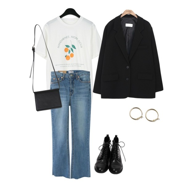 From Beginning Simple lace-up walker_K (size : 230,235,240,245,250),Zemma World 2018 Cheese skinny (ver.연청스트레이트)[size:S,M,L,XL / 1color],daily monday Mandarin tee등을 매치한 코디