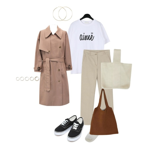 common unique [OUTER] WARM TONE OVER TRENCH COAT,daily monday Simple lettering tee,BANHARU slim straight cotton pants등을 매치한 코디