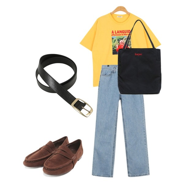 BULLANG GIRL 레트로걸스T,ROCOSIX Judy classic suede loafer,daily monday Vintage maxi denim pants등을 매치한 코디