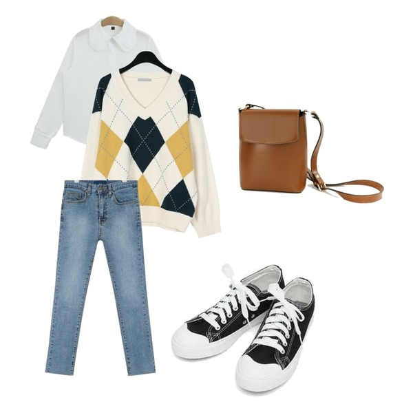 daily monday Argyle fresh v-neck knit,AIN grown straight denim pants (25-29),TODAY ME [blouses]모닉 블라우스(러블리 봄 카라 프릴BL)등을 매치한 코디