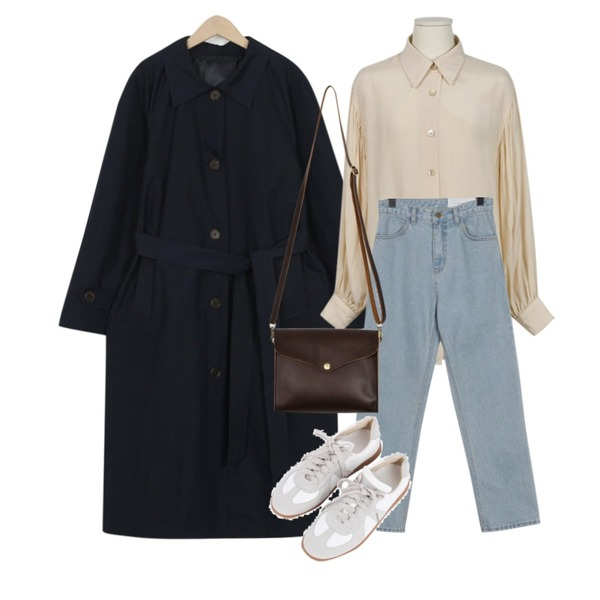 From Beginning MORE JEAN_vintage(light blue) (28차 리오더) (size : S,M,L),From Beginning Made_outer-113_raglan single trench_B (size : free),From Beginning Silky balloon shirring blouse_K (size : free)등을 매치한 코디