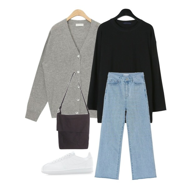 AIN soft basic wool cardigan,daily monday Wearable cotton tee,BANHARU wide boots-cut pants등을 매치한 코디